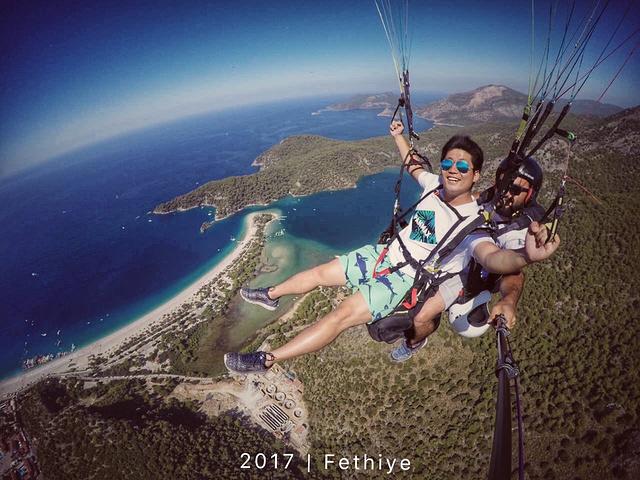 """如果两个人有一人不跳不能随车去山顶._费特希耶滑翔伞""""的评论图片"""