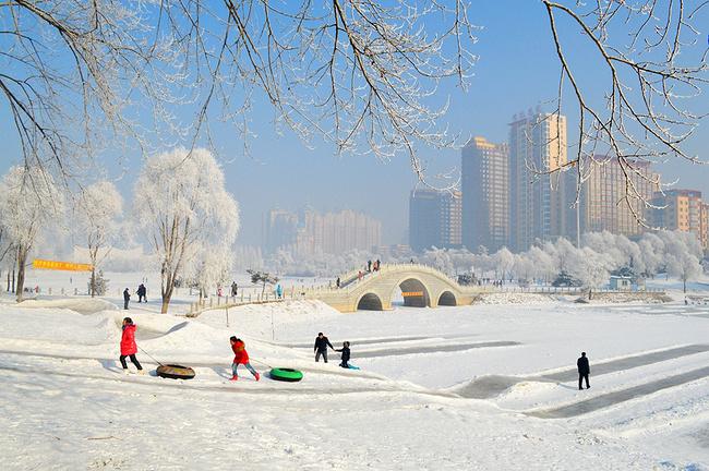 吉林�9k�9�&�`�yn���9��_江滨公园,吉林市城区欣赏雾凇最佳地带