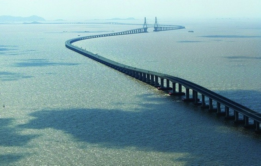 杭州湾跨海大桥钢管桩的最大直径