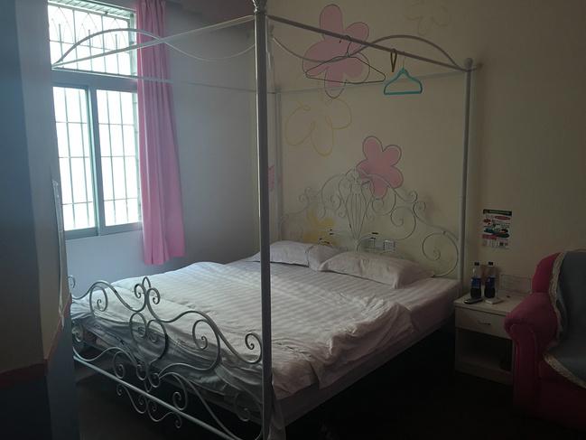 精装卧室闺蜜图片