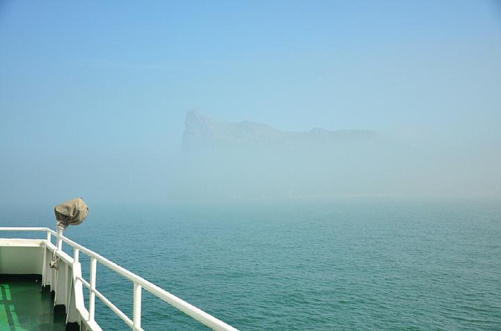 早晨七点半,出发,万鸟岛!未经任何ps的照片,真的是天蓝海蓝