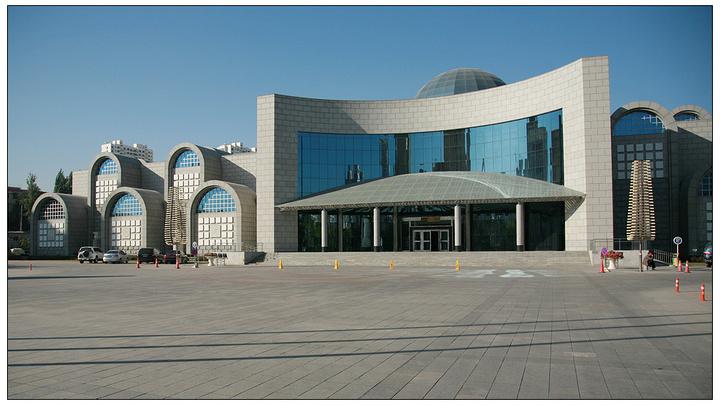 新疆博物馆的镇馆之宝是干尸美女,特别是被称骗帅哥亲吻千年图片
