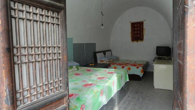 農村窯洞臥室裝修圖