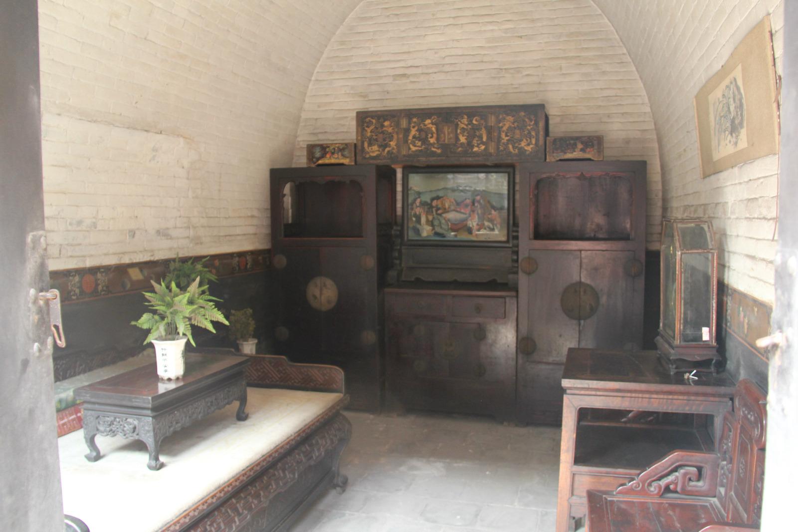 古代的婚房,雕花的架子床,本来是要在平遥两晚的,第二晚体验下平遥