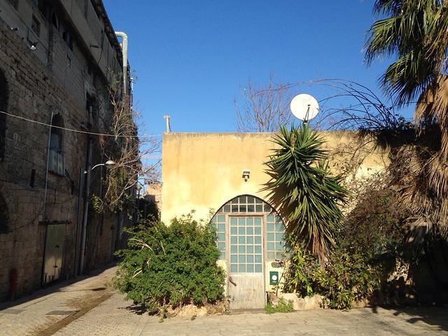 """""""在是雅法老城一个普通的午后,阳光明媚直透..._雅法""""的评论图片"""