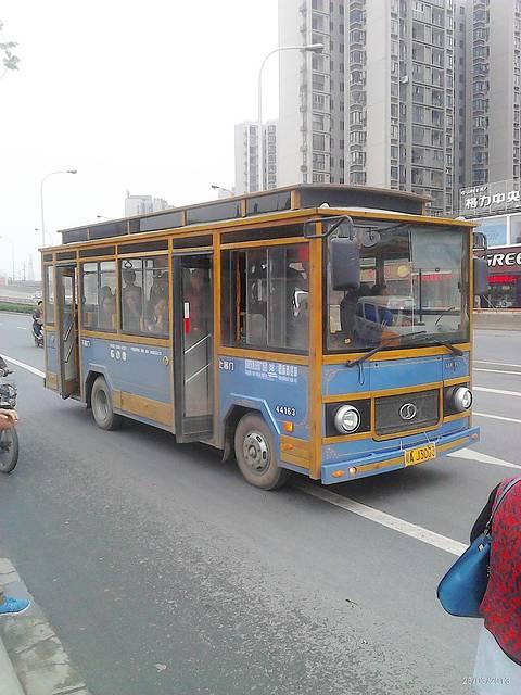 立体巴士结构图