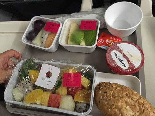 港龙航空的飞机餐,一如既往的给力