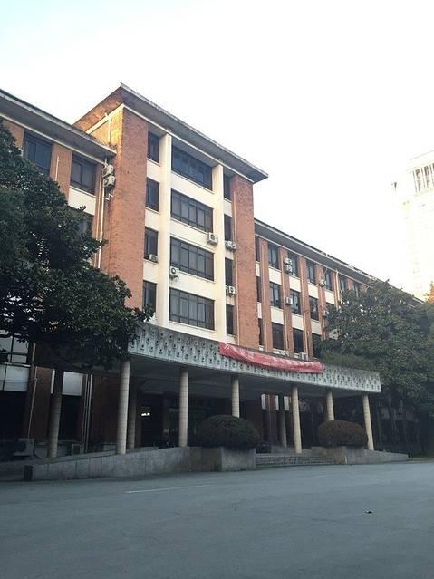 上海工程技术大学飞机