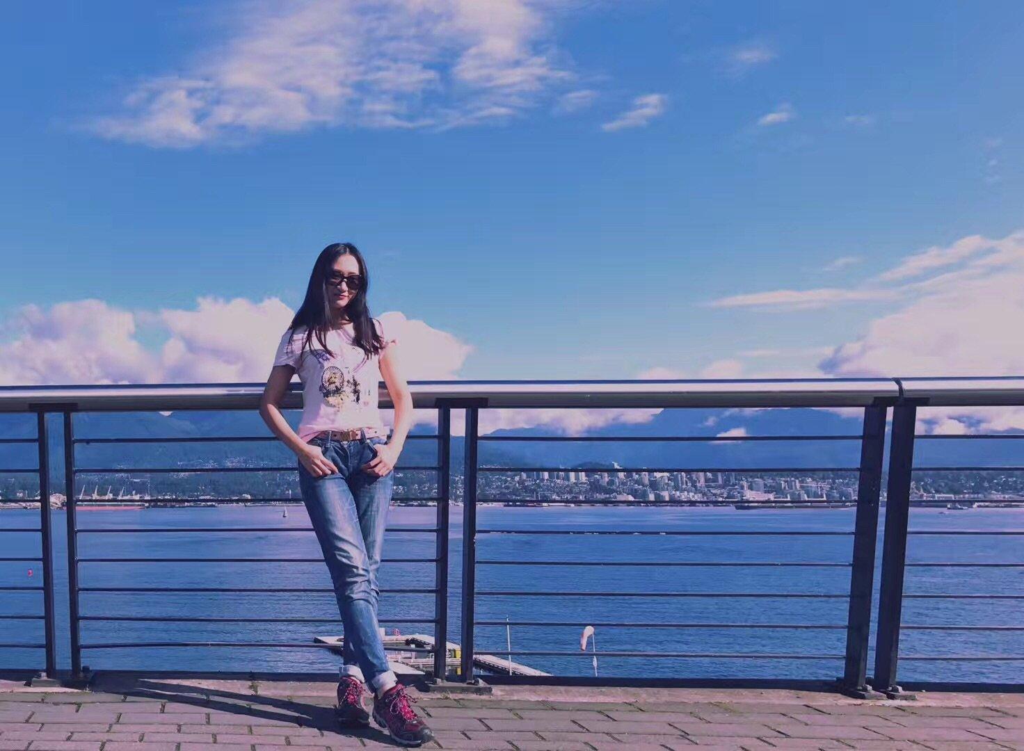 枫叶国的美景,最是那把湖畔边的红椅子--记十一加拿大落基山脉的幸运之旅