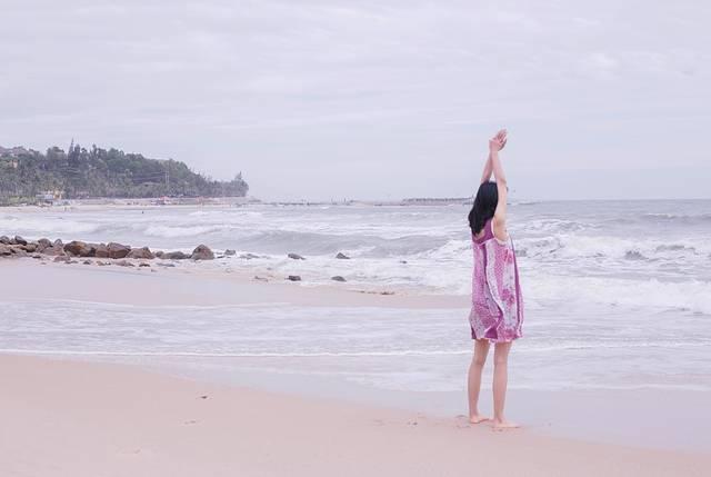 越南少女的遛猪之旅(附旅行穿搭教程和旅行人头像明字女生带