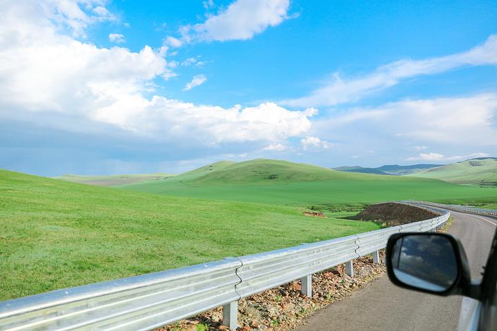 如果说今天的行程是养眼之旅,一点都不为过,沿路的风景亦是我见过最美
