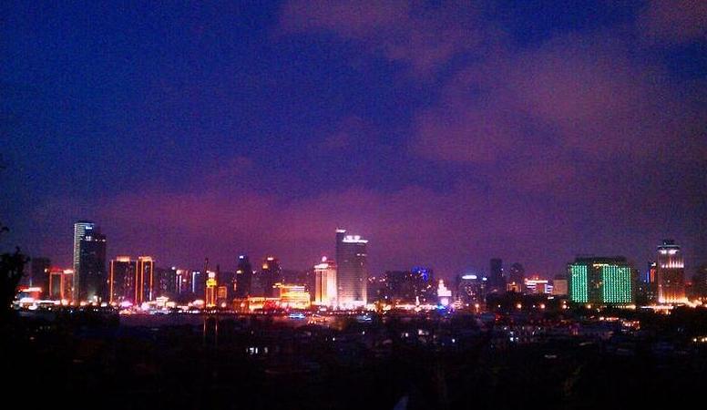 厦门,一个人的爱与梦幻