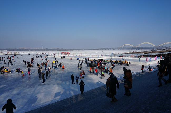 哈尔滨中央大街步行街图片