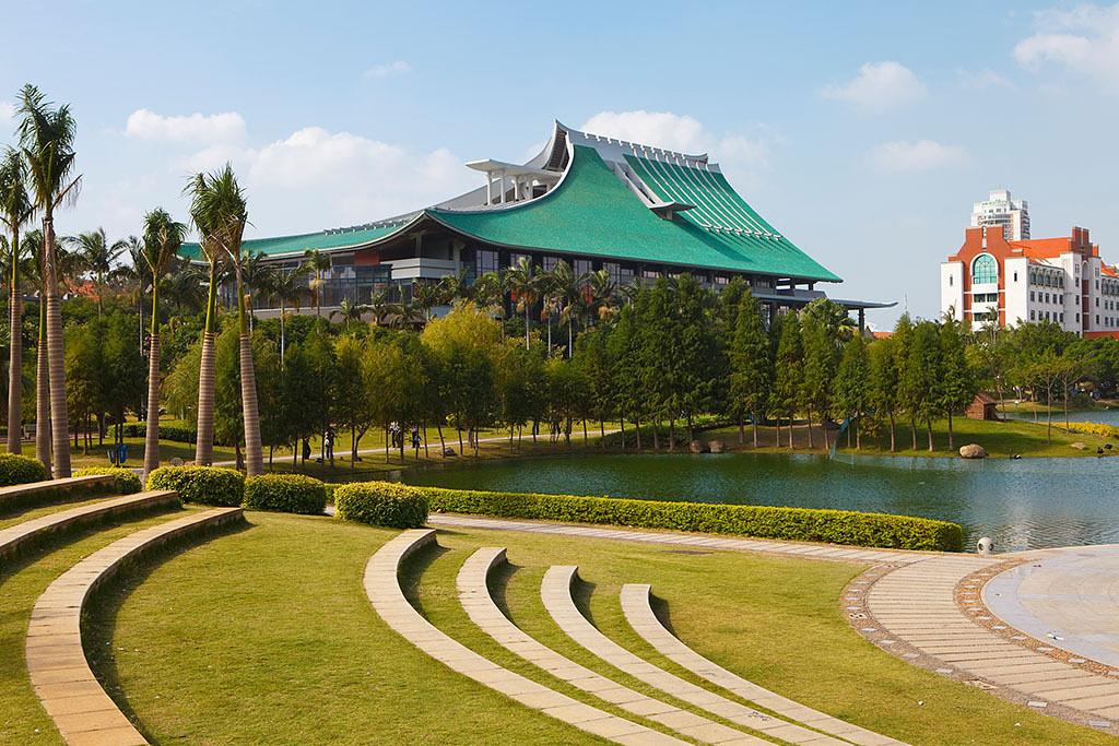 中国最美丽的校园之一图片