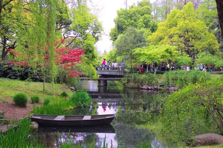 江南好,风景旧曾谙.杭州最美在西湖
