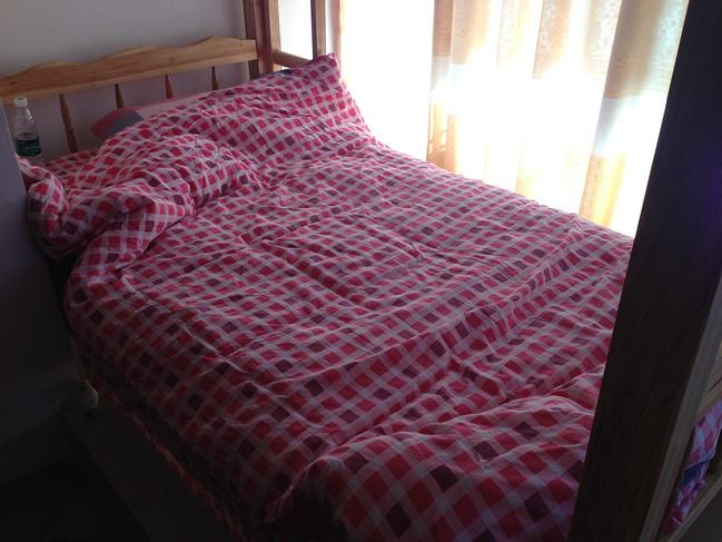 家庭床怎样铺床图解