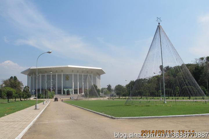 """""""班厦位于科伦坡贝塔区中心地带,建筑宏伟,..._班达拉奈克国际会议大厦Bandaranaike Memorial International Convention Hall """"的评论图片"""