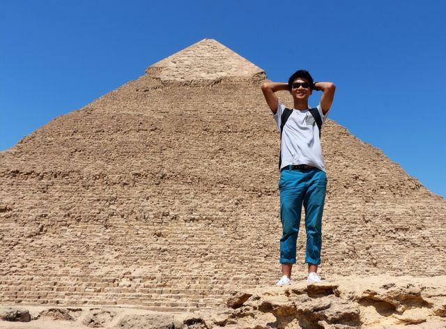 金字塔,曾经觉得非常非常雄伟高端大气上档次的东西,但是去了之后