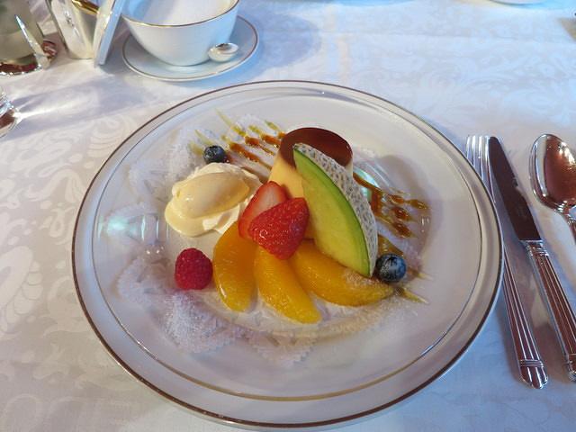 水果塔配冰淇淋,水果很天口感细腻