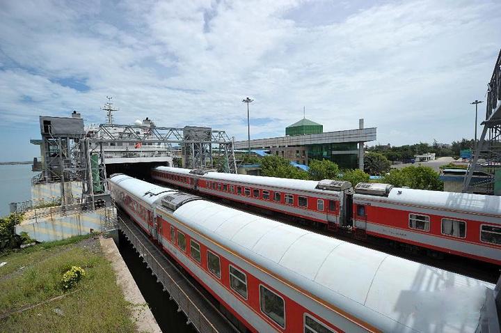 2016从北京西开出的Z201次列车,在漫长的2 三亚站评论 去哪儿攻