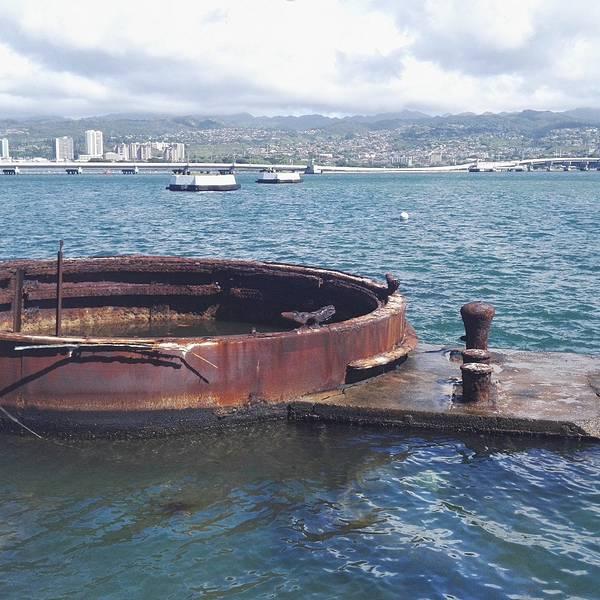 飞机和微型潜艇突然袭击美国海军基地珍珠港以及美国