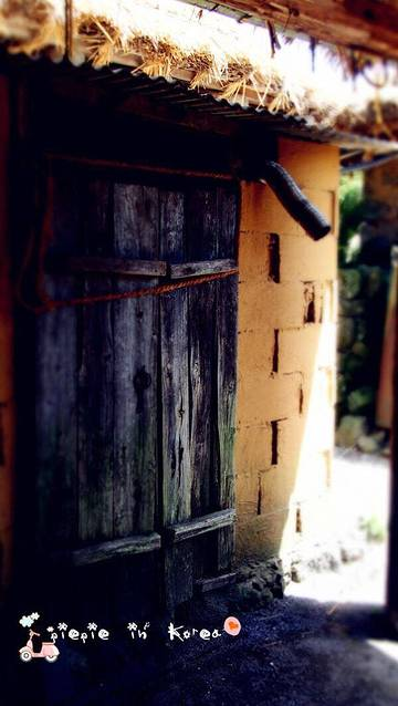 【特色】城邑民俗村是济州岛保留最原汁原味的村落了,体现了原来济州
