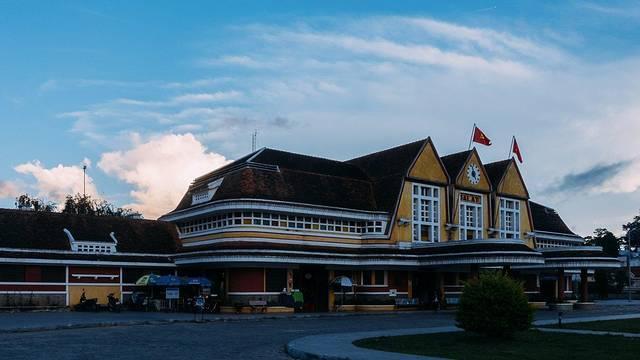 欧式复古火车站图片