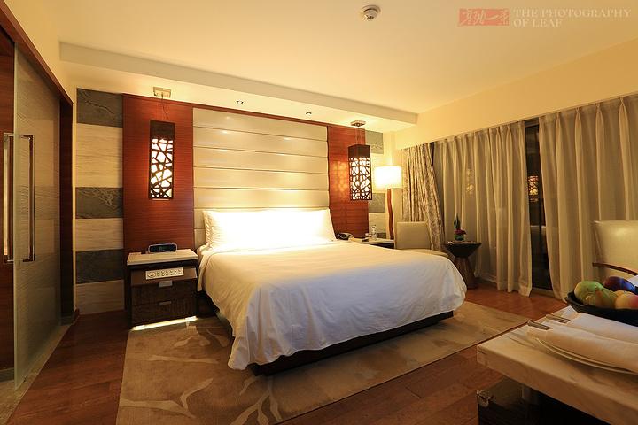 家庭海景套房,房间非常温馨舒适,设计简约时尚,有独立的两个卧室两张1