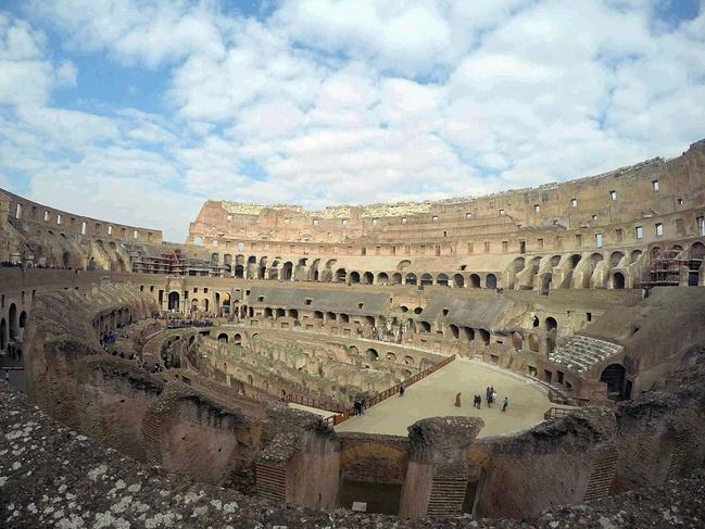 带着攻略游欧洲(巴塞罗那-罗马-威尼斯-因特拉海盗老妈美女与图片