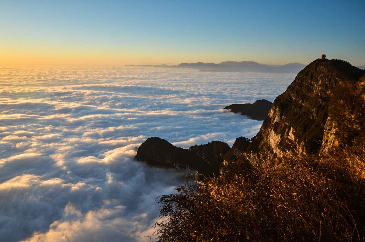 峨眉山:川西净土之地、佛门养生福地