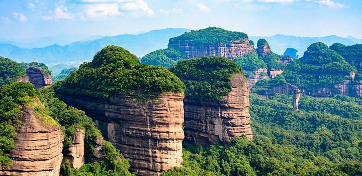这也是为什么从隋唐时期丹霞山就成为岭南风景胜地的原因,文人墨客常