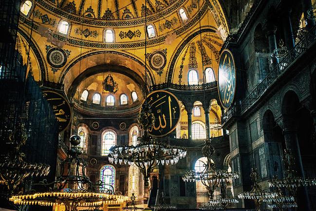 圣索菲亚大教堂在希腊语里的意思是上帝智慧