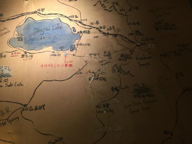 手绘地图,给大家制定路线做个参考哈~青海湖分为南北