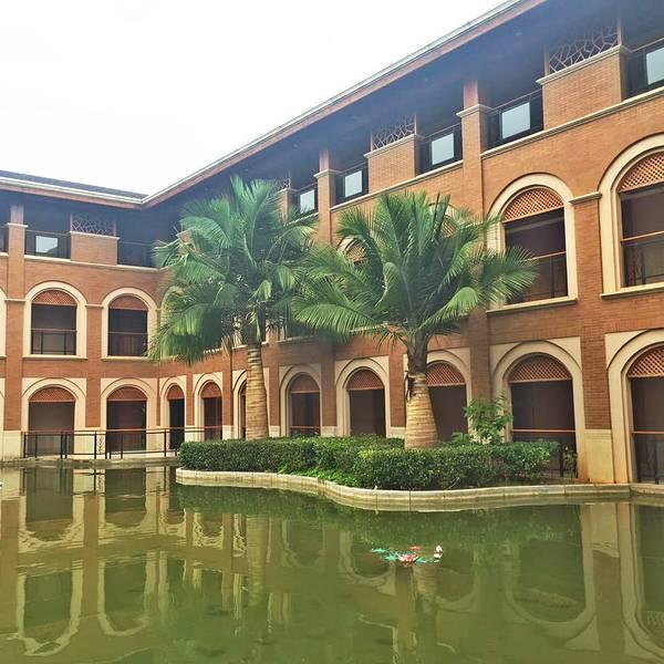 弥勒湖泉酒店_89 首页 景点详情  到达弥勒之后的住宿可以选择弥勒湖泉酒店,它是