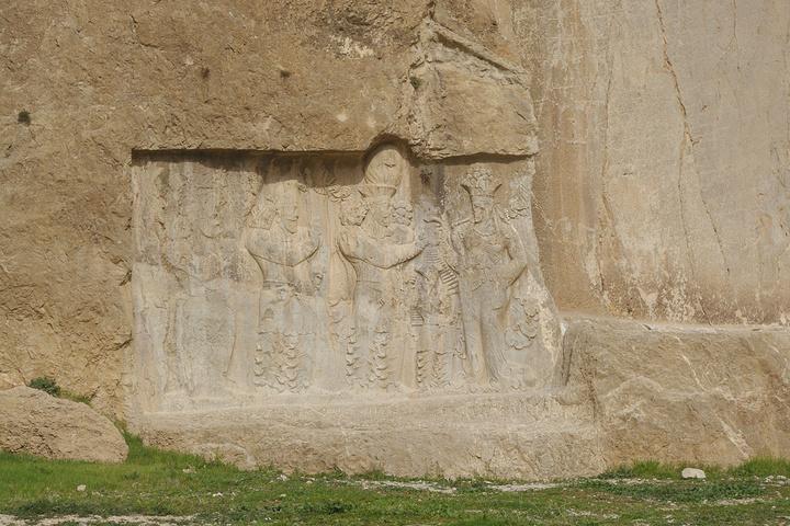 来,我们去攻略谷Naghsh-e-r._波斯帝陵和萨珊浮下火帝王图片