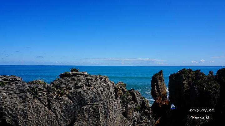细看千层饼岩,大自然的神作——像千层饼一样的石头和能将海水向上