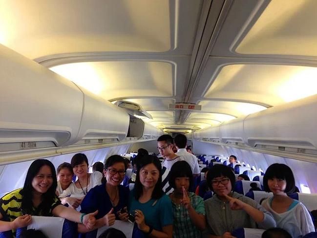 只是到了西宁飞机场,东方航空公司的方向照相正好,蓝天白云,西宁,我来