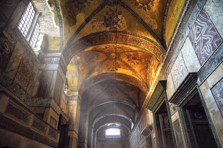 """""""教堂里面可以观赏的有分2层楼_圣索非亚大教堂""""的评论图片"""