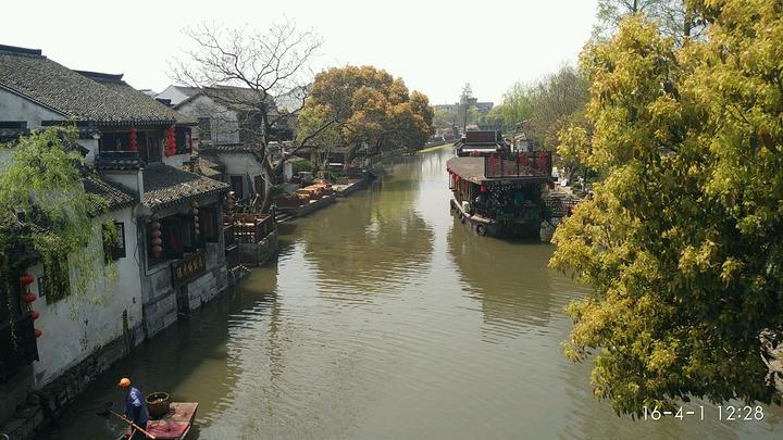 西塘作为江南四大古镇之一,距离上海90公里,一日游七点半上海人民广场