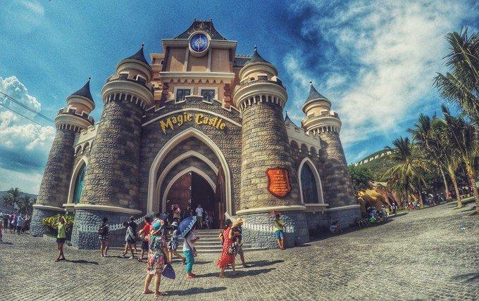 珍珠岛游乐园的城堡,里面其实是商店和电子游戏设施