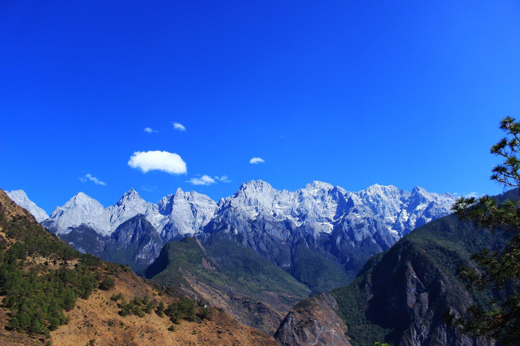哈巴雪山大环线徒步路线-哈巴雪山虎跳峡徒步穿越攀登