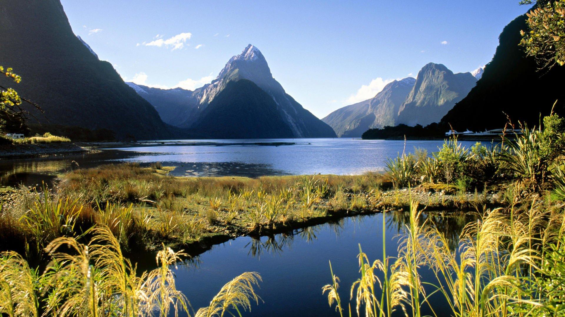 场电�_途经美丽的新西兰第三大湖蒂阿瑙湖(lake te anau)