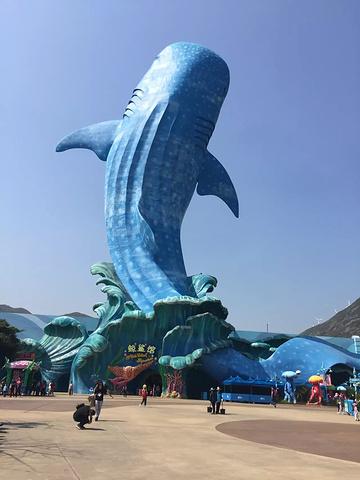 珠海长隆最标志性的建筑--鲸鲨馆