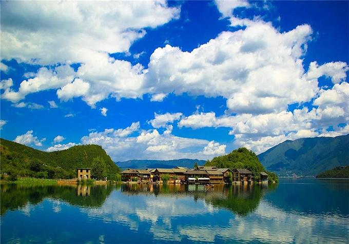 泸沽湖风景图片