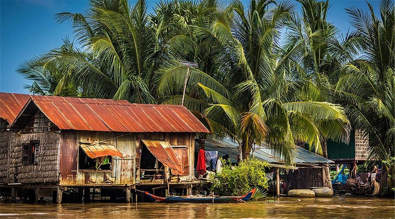 柬埔寨巴士