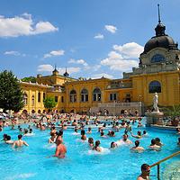 塞切尼温泉浴场