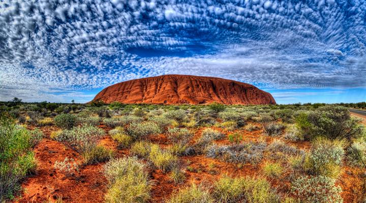 世界最大的整体岩石,地球上的肚脐,世界七大奇景之一.