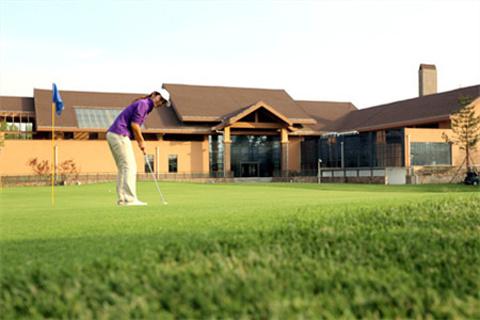 2015亚建高尔夫球场_旅游攻略