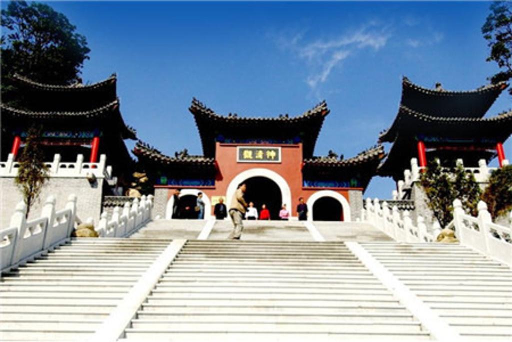 青岛寺庙旅游景点大全
