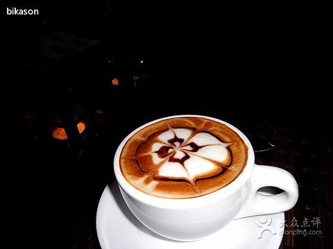 黑骑士摩卡 心相印咖啡 花式咖啡 美式咖啡 青瓜条 华夫饼 风景树咖啡